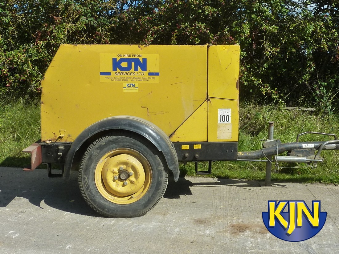 Single Tool Compressor Towable, With One Hose And One Breaker