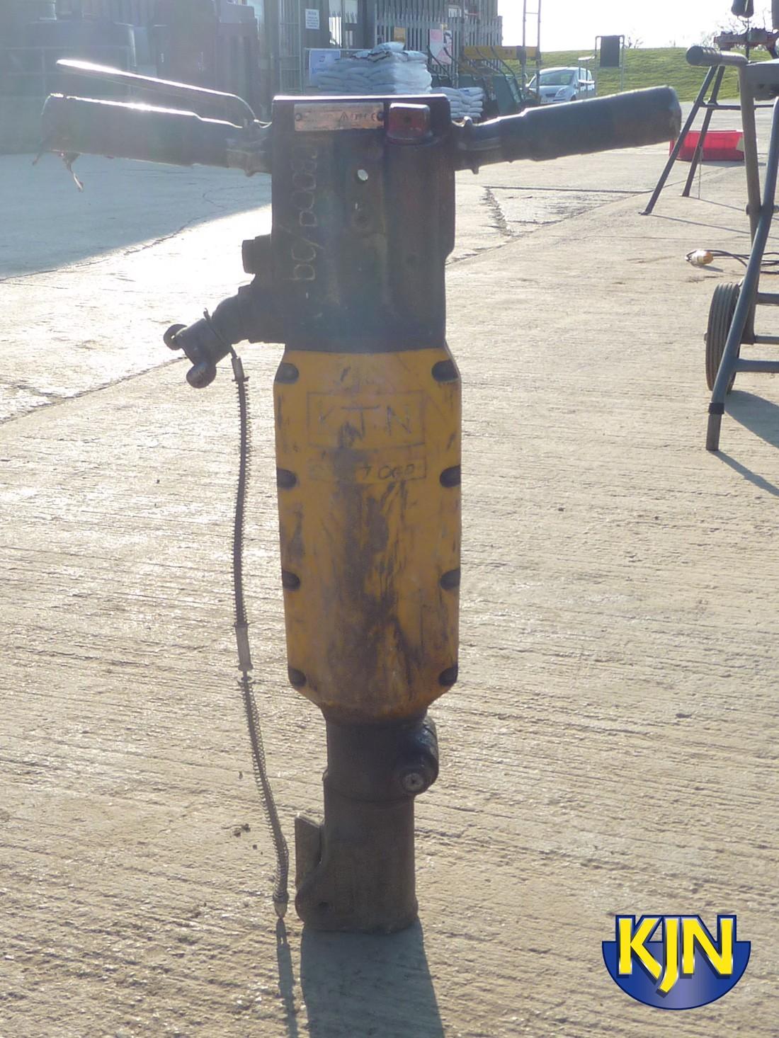 Vibration Damped Demolition Hammer