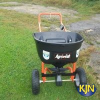 Fertilizer Spreader - Garden