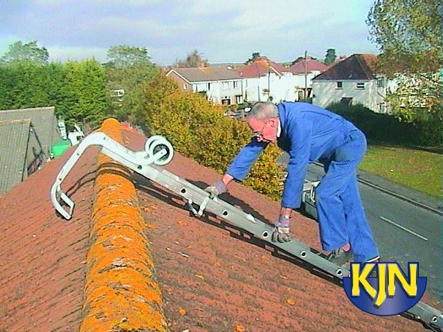 4.3m / 14ft Roof Ladder