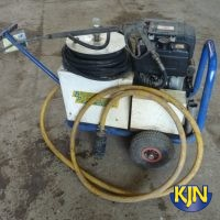 Cold Water Pressure Washer up to 3,000 psi / 207 bar