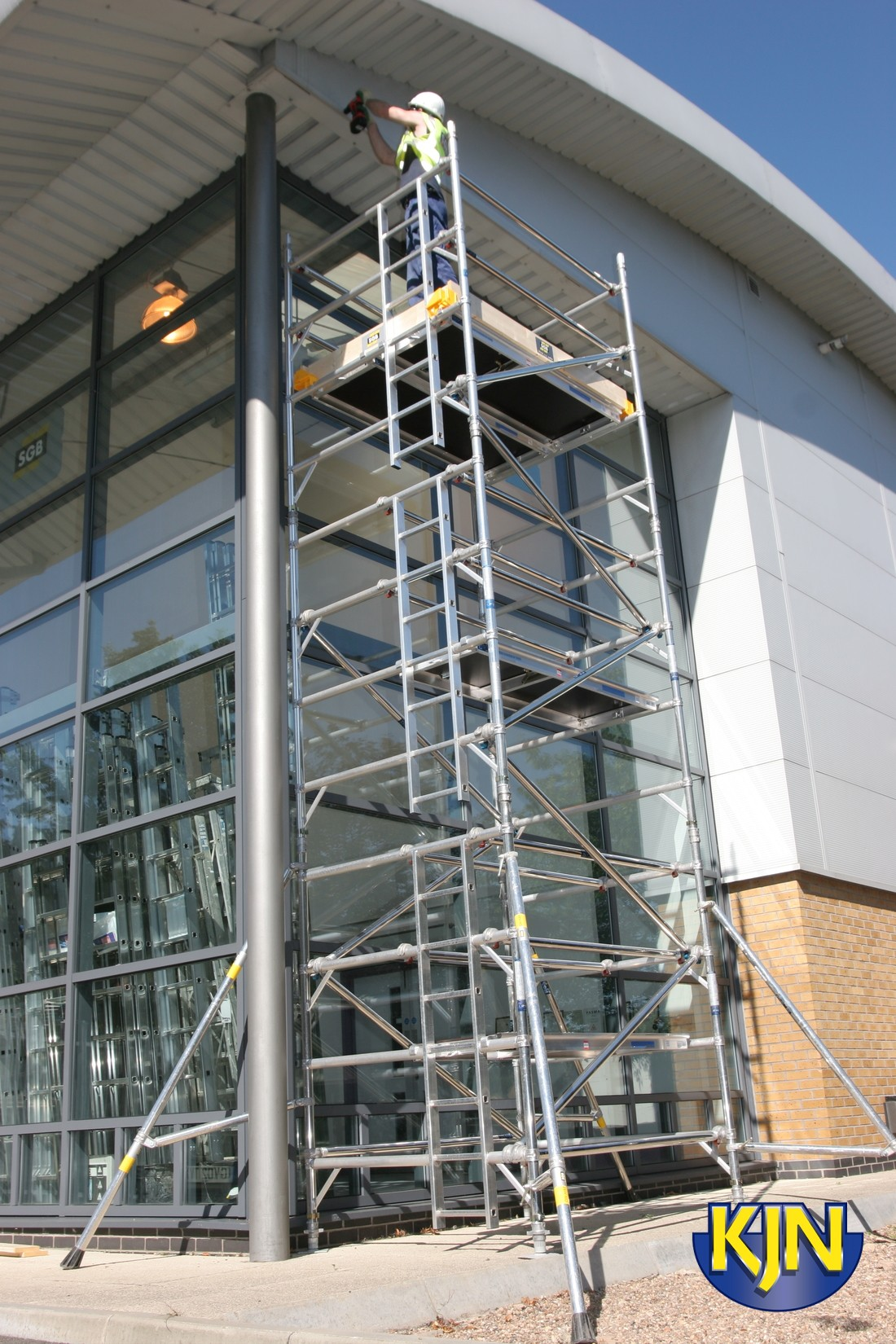 2.5m x 1m Base (Single Span) Scaffold Tower Maximum Platform Height 2.2m