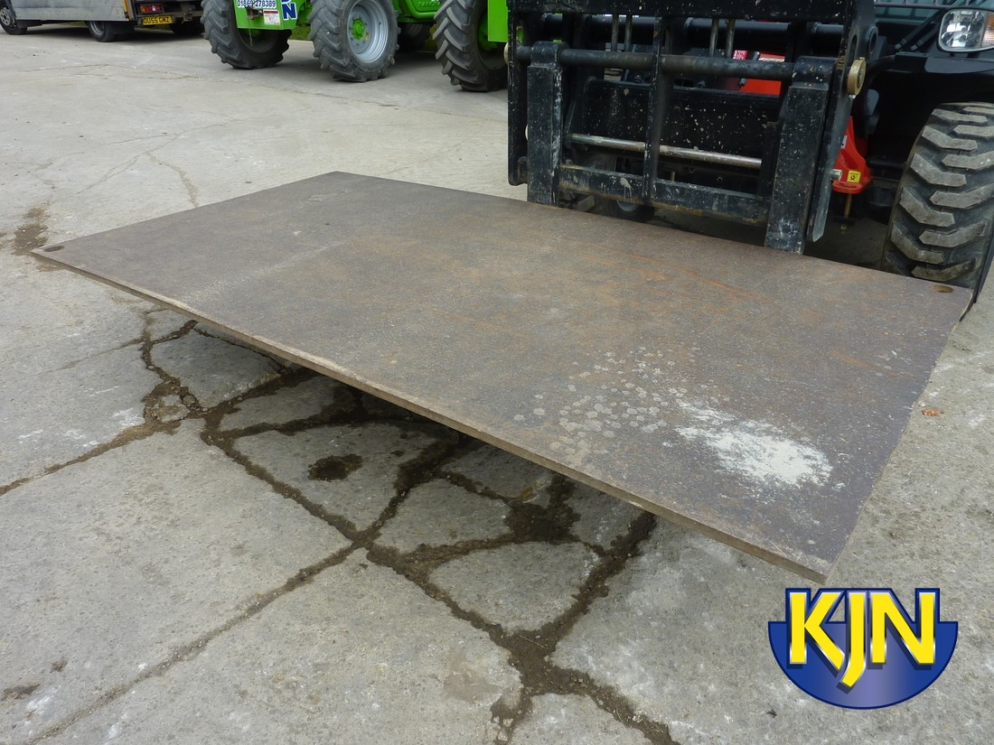 Road Plate 2.5m x 1.2m