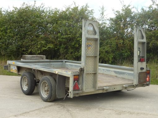 Twin Axle 2.7 or 3.5 Tonne (Gross Weight) with Loading Ramps